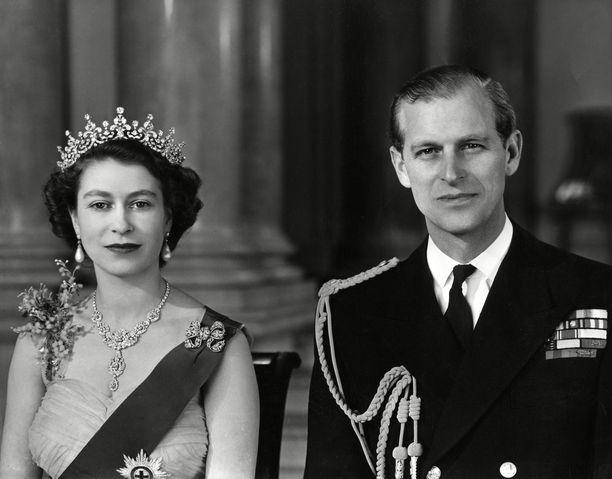 Elisabet II ja prinssi Philip saivat ensimmäisen yhteisen lapsensa marraskuussa 1948.