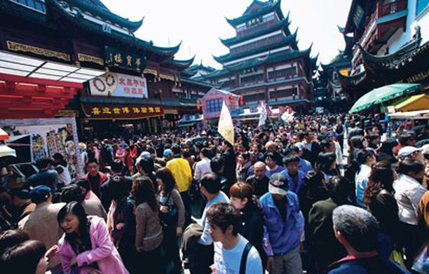 Shanghain vanhassa kaupungissa on kova tungos.