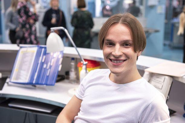 Valtteri Lehtisen näyttelemä sairaanhoitaja Leevi on yksi viidennen kauden uusista hahmoista.