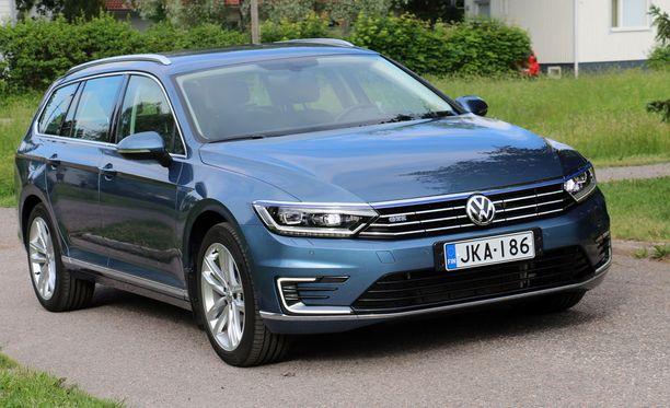 VW Passat on Suomen toiseksi ostetuin ladattava hybridi.