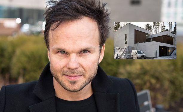 Lauri Ylönen muuttaa sittenkin Yhdysvaltoihin.