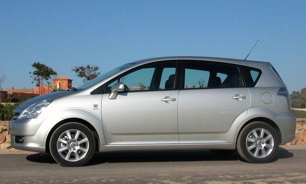 Toyota Corolla Verso on yksi vähävikaisimmista autoista yli 10 vuoden ikäryhmässä