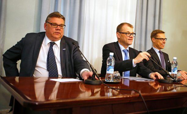 Kolme ässää, Trio Ässät, eli Timo Soini, Juha Sipilä ja Alexander Stubb ovat uuden hallituksen johtohahmot.