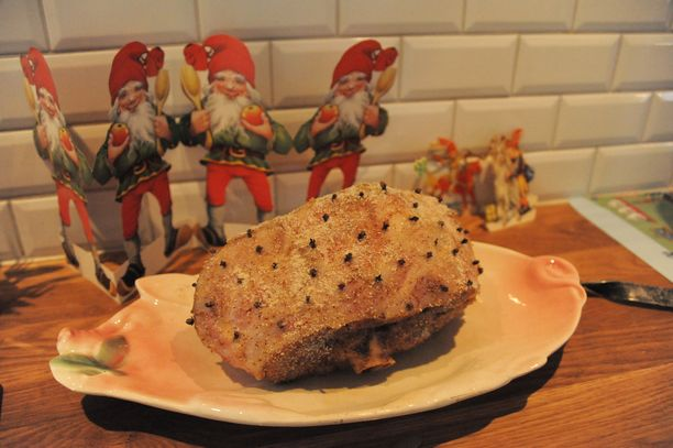 Paistorasvan voi hyödyntää myös joulukinkun kastikkeessa.