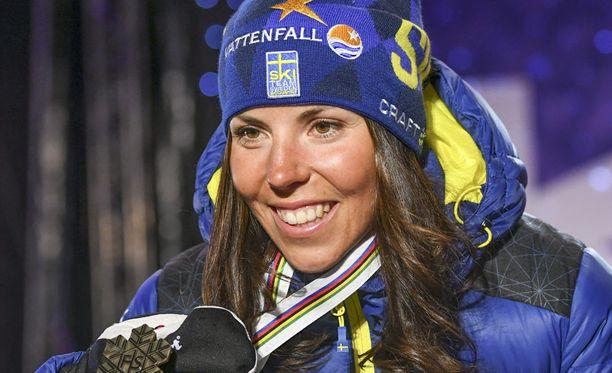 Charlotte Kalla nappasi lauantain yhdistelmäkisasta pronssia.
