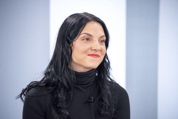 Veronica Verho tekee uuden aluevaltauksen tv:n puolelle.