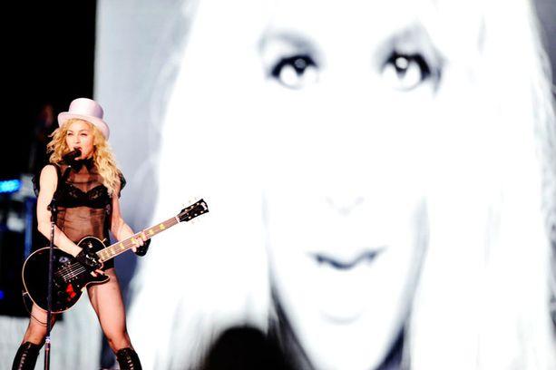 Madonna saapuu jälleen Helsinkiin konsertoimaan. Hän esiintyi 2012 Olympiastadionilla ja sitä ennen 2009 Jätkäsaaressa.