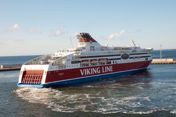 Erikoistarjousten ansiosta laivaostoksia voi tehdä tavallista edullisemmin.