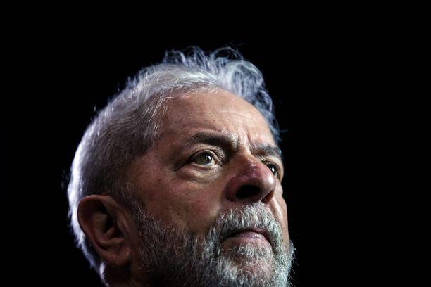 Presidenttinä 2003-2011 toiminut Lula oli äärimmäisen suosittu ja hän olisi suurella todennäköisyydellä voittanut jälleen presidentinvaalit, jos hän olisi saanut osallistua niihin.