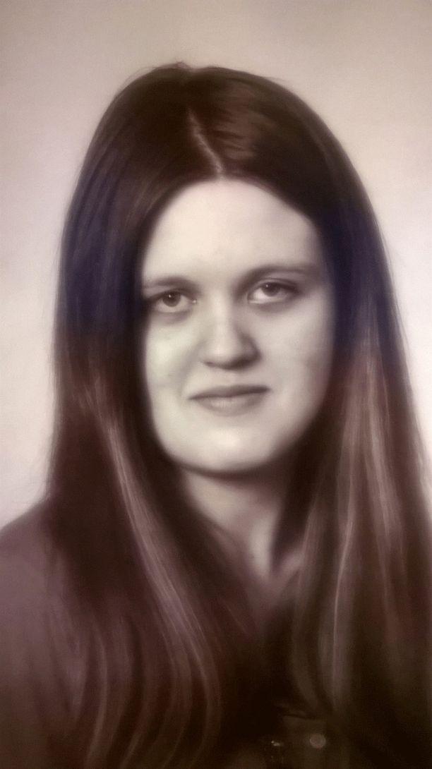 Roosa-Maria Kolehmainen on ollut kateissa maanantaista lähtien. Poliisi pyytää ilmoittamaan kaikki havainnot kadonneesta hätäkeskukseen numeroon 112.