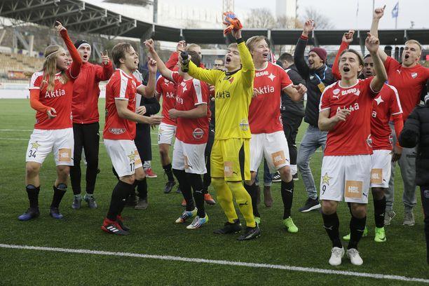 HIFK juhli nousua Veikkausliigaan.