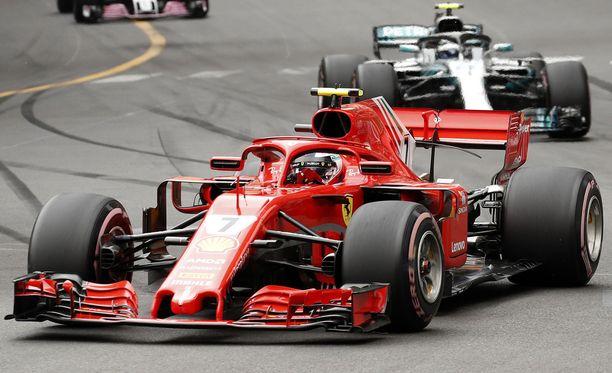 Kimi Räikkönen joutuu sinnittelemään nykyisellä moottoripäivityksellään vielä neljä osakilpailua.