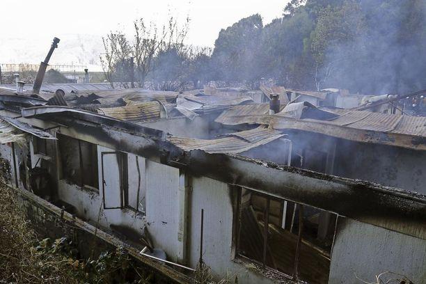 Osa vanhainkodista tuhoutui palossa täysin.