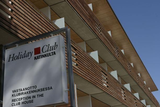 Katinkullan lomakohteesta vastaavan Holiday Club Resortin mukaan se on noudattanut ravintolatoimintaa rajoittavia määräyksiä ja muita ohjeita. Lisäksi alueella on otettu käyttöön tiukemmat varotoimet.