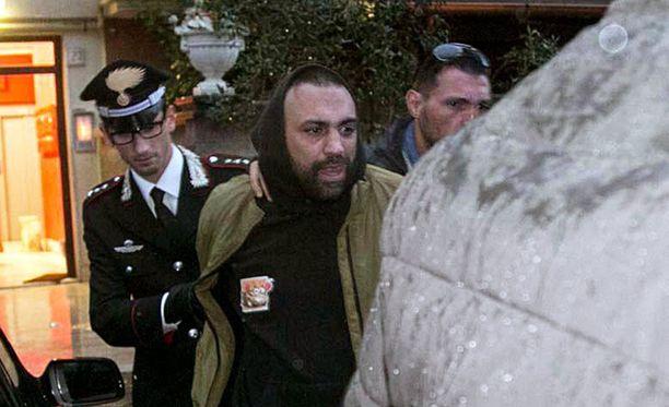 Toimittajan kimppuun käynyt Roberto Spada pidätettiin Roomassa torstaina.