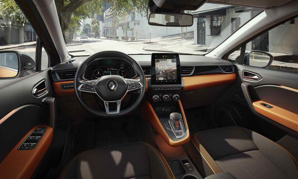 Kuljettajan edessä on 7- tai 10,2-tuumainen muokattava digitaalinen näyttö. Kojelaudan keskellä on 7- tai 9,3-tuumainen kosketusnäyttö. Automaattivaihteiston vaihteenvalitsimena on futuristinen i-shifter-sähköinen vaihteenvalitsin.