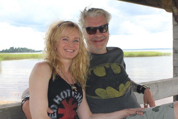 Marjo Lampi Jussi Lampi ovat nyt aviopari. Marjo vaihtoi sukunimensä Lammeksi.