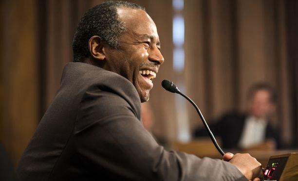 Maaliskuussa Carson herätti kohua vertaamalla Yhdysvaltoihin tuotuja orjia maahanmuuttajiin.