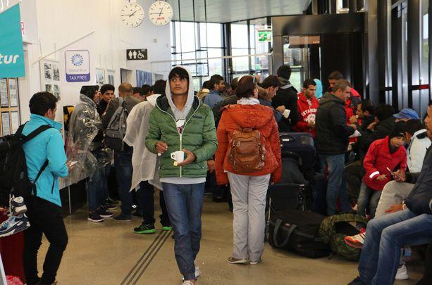 Turvapaikanhakijoita saattaa saapua Suomeen länsirajalta jopa tuhat vuorokaudessa.