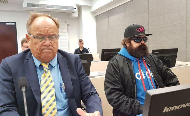 Jokaisen vesilläliikkujan on noudettava huolellisuutta. Koko seurueella on se vastuu, sanoo asianajaja Seppo Hytönen.