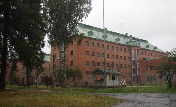 Kuvassa Joutsenon Konnunsuolla sijaitseva vastaanottokeskus.