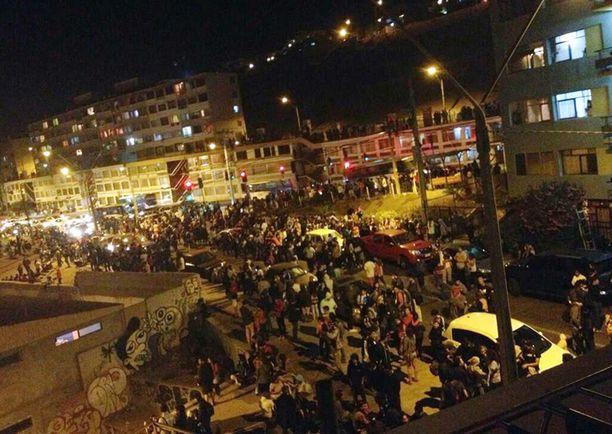 Ihmisiä evakuoitiin pois rannikkoseuduilta Antofagastassa.