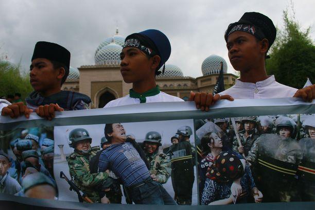 Indonesiassa muslimit osoittivat mieltään Kiinan politiikkaa vastaan. Kuva otettu joulukuussa 2018.