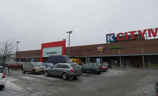 Täältä kaikki alkoi. Lottomiljonääri lottosi Tampereen Linnainmaalla City-Marketissa.