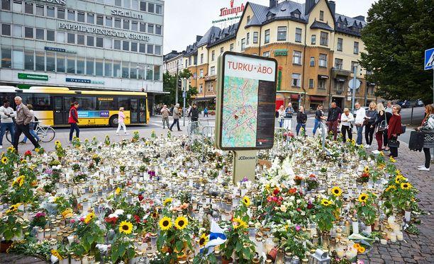 Sisäministeriö on luvannut parantaa Turun tapauksen jälkeen vihjetietojen vastaanottoa ja käsittelyä.