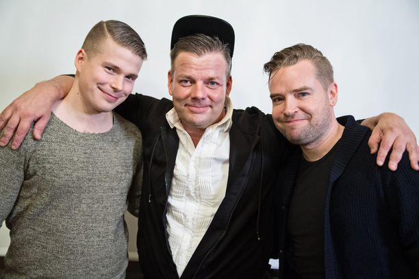 Jari Sillanpään musikaalissa on kaksoismiehitys, Martti Manninen (vas.) ja Jari Ahola. -En ole kuullut heidän laulavan, pääasia että he näyttävät minulta, Jari Sillanpää vitsaili lehdistötilaisuudessa.