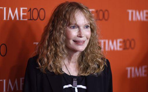 Mia Farrow menetti kolme lastaan – AIDS, onnettomuus ja itsemurha