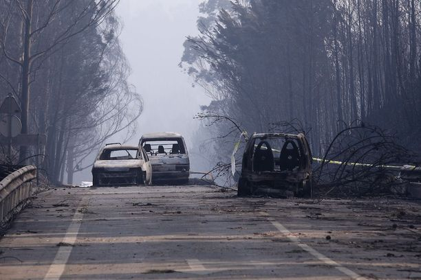 Hiiltyneet autot ovat osoitus siitä, ettei liekkien keskeltä ollut mitään mahdollisuutta pelastua.