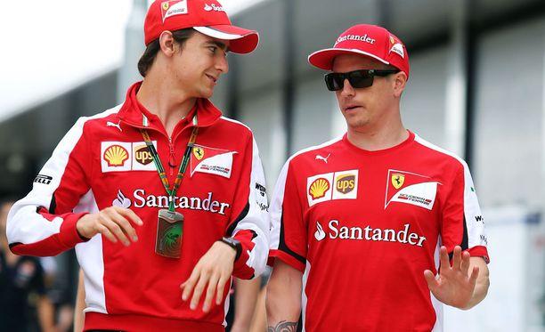 Esteban Gutiérrez imi oppia Kimi Räikköseltä.