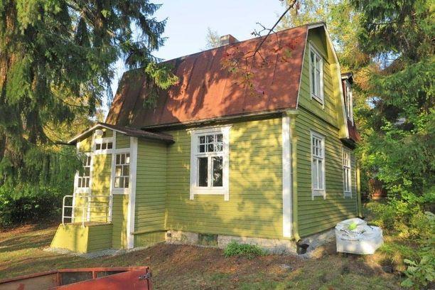 Lokakuussa kaikkein eniten katsojia oli tällä 1920-luvulla rakennetulla mansardikattoisella talolla. Helsingin Tapanilassa sijaitseva talo on myynnissä remontoitavaksi. Kyseessä on kulttuurihistoriallisesti arvokas suojeltava rakennus.
