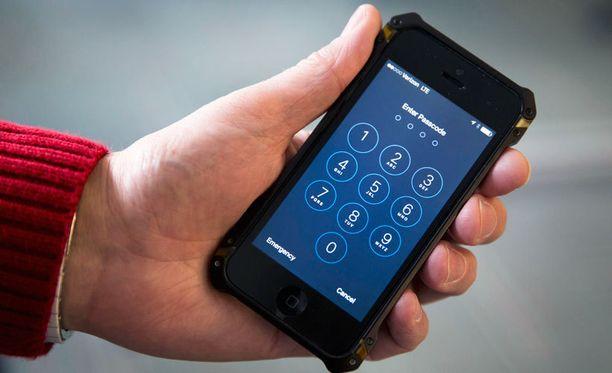 FBI on vaatinut Applea luomaan käyttöjärjestelmästään uuden version, jonka avulla poliisi pääsee murtautumaan puhelimeen.