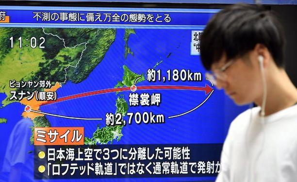 Japanin televisio uutisoi Pohjois-Korean ampumasta ohjuksesta.