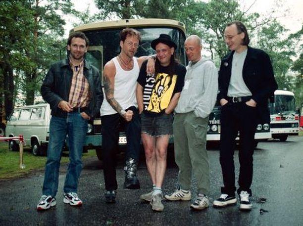 Kesällä 1999 Dingon silloinen kokoonpano esiintyi Raumanmeren Juhannusfestivaaleilla.