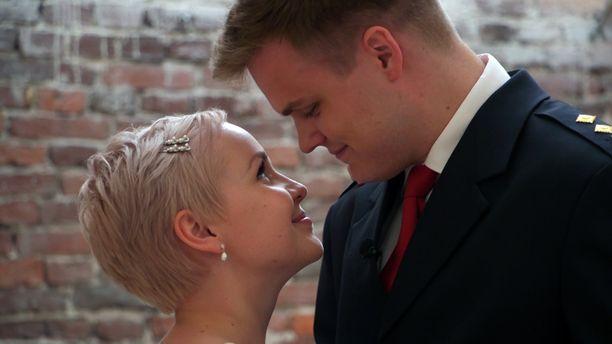 Ensitreffit alttarilla on yksi suosituimmista rakkausrealityistä.