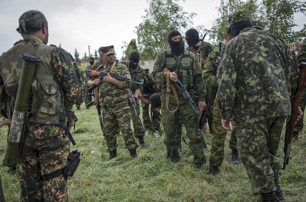 """Tunnuksettomat """"vihreät miehet"""" ilmestyivät helmi-maaliskuussa vuonna 2014 Krimin niemimaalle."""