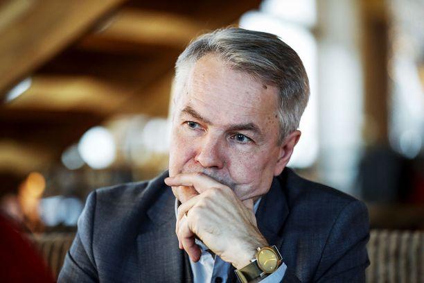 Kalle Könkkölä osoitti omassa elämässään, että vaikeasti vammainenkin voi elää täyttä elämää. Poliitikkona Könkkölä näytti miten päättäväisyydellä voi saada asioita aikaiseksi, sanoo Pekka Haavisto.