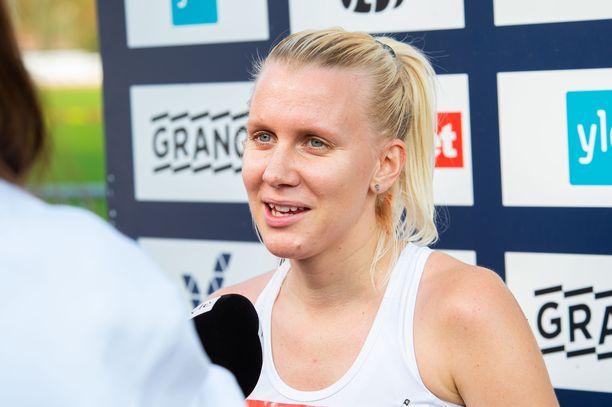 Sandra Eriksson on myös viiden kilometrin tiejuoksun SE-nainen.