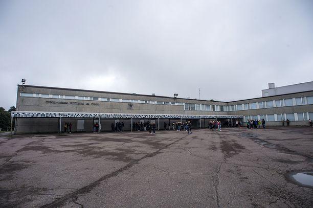 Länsi-Porin koulua uhattiin Tor-verkossa.