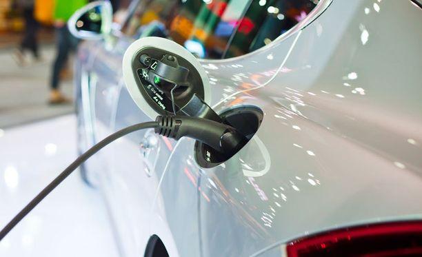 Uudentyyppinen akku voi olla jättiharppaus sähköautoille.