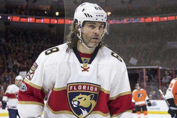 Jaromir Jagr pelasi uskomattoman NHL-uran ja edusti yhteensä yhdeksää eri seuraa.