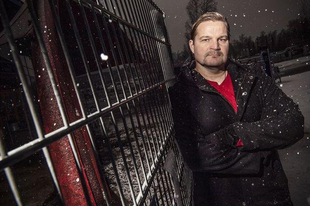 Espoossa asuva Kari Haakana sai helmikuussa potkut Kiekko-Vantaan päävalmentajan paikalta.