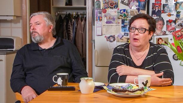Rovaniemeläiet Jorma ja Soile eivät näy tänään tv:ssä, niin kuin eivät näy muutkaan Sohvaperunat-sarjan kommentaattorit.