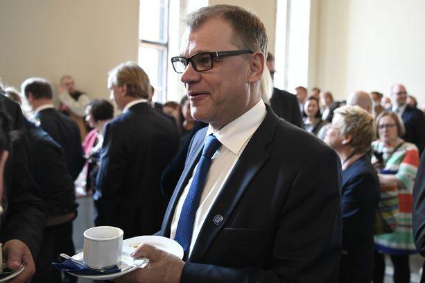 Pääministeri Juha Sipilä isännöi itsenäisyyspäivän aattona valtakunnallista Suomen lasten itsenäisyysjuhlaa Säätytalolla.