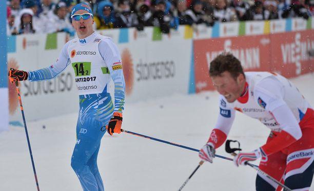 Iivo Niskanen ja Emil Iversen taistelivat pariviestin MM-kullasta.