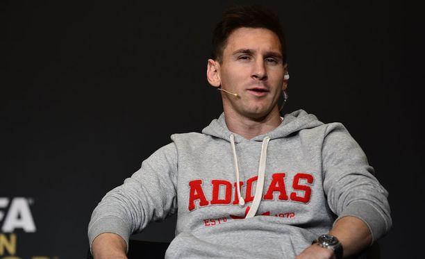 Lionel Messin ympärillä pyörii villi sirkus.