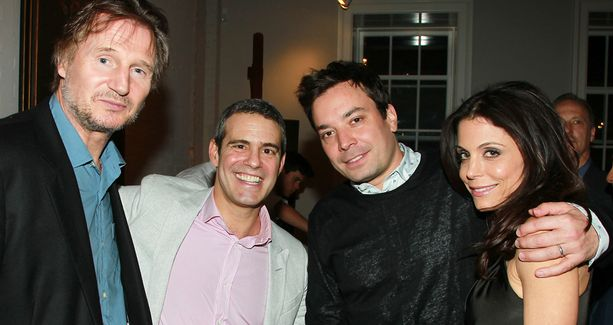 Liam Neeson, Jimmy Fallon ja Bethenny Frankel kuuluvat kaikki Andyn ystäväpiiriin.